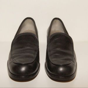Nine West 7.5M black leather upper loafer